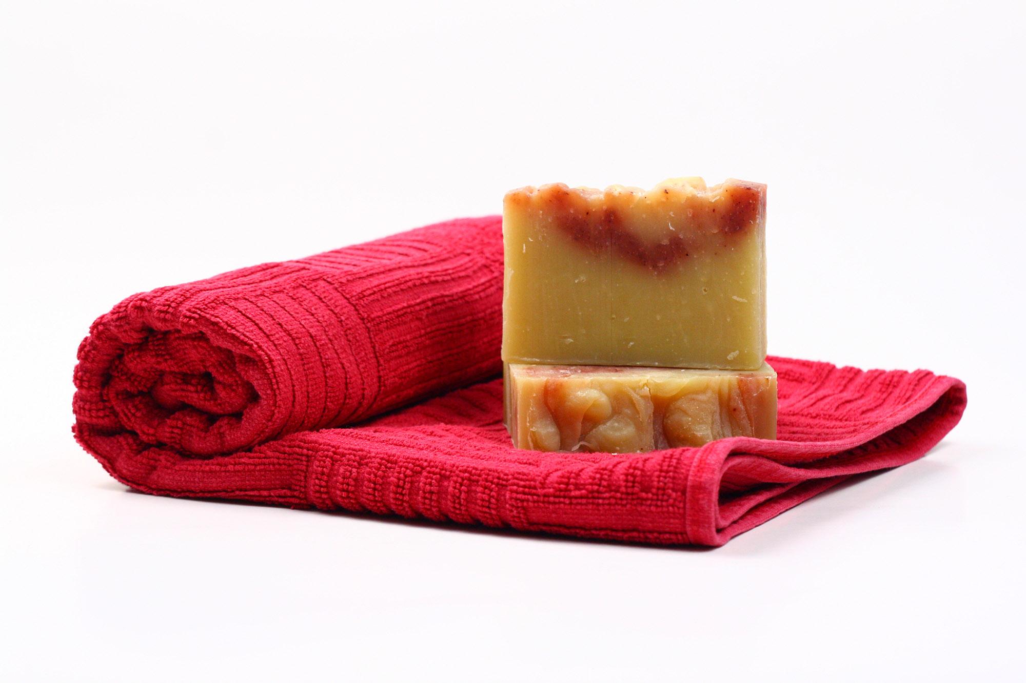 Săpun natural de primăvară cu parfum de cireșe - Promo cu 20% reducere