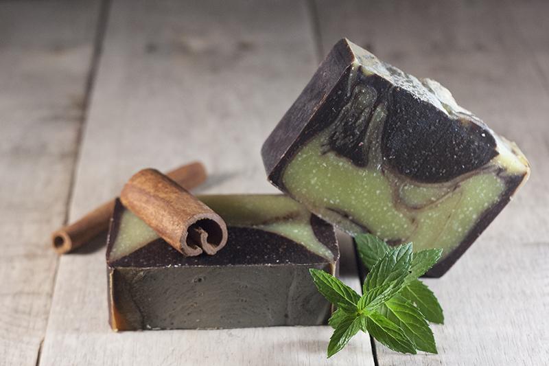 Săpun natural exfoliant cu mentă, cacao și scorțișoară - Cinnamon After 9